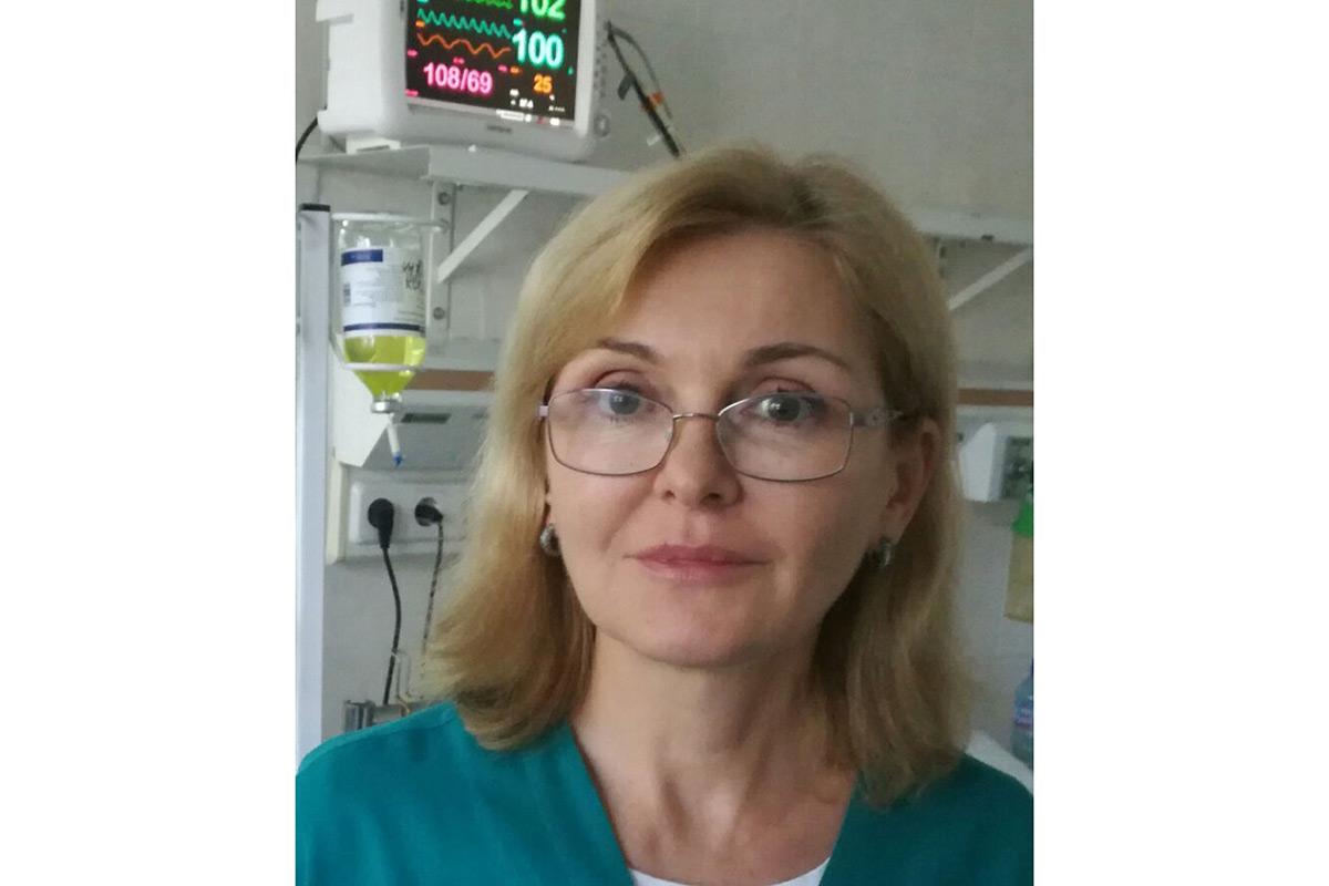 Д-р Узунова